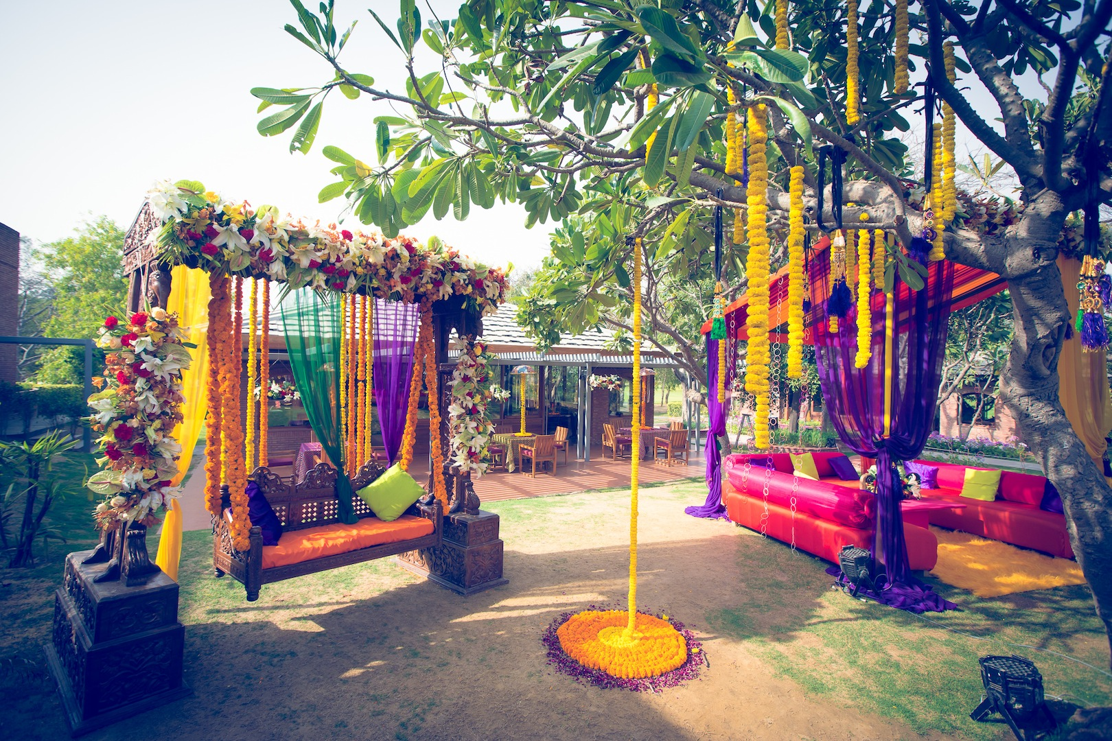 Vagabombpicks the wedding decor of your dreams source thedelhibridewordpress junglespirit Image collections