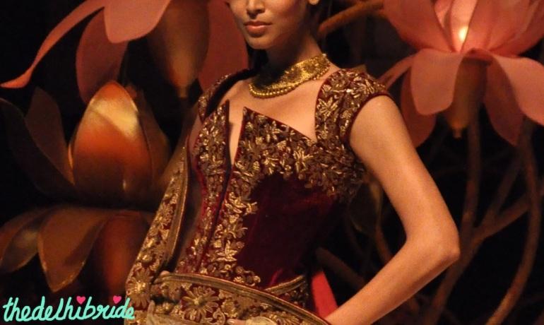 blouse design IBFW 2013 Rohit Bal