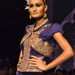 The shrug done right in Indian wear