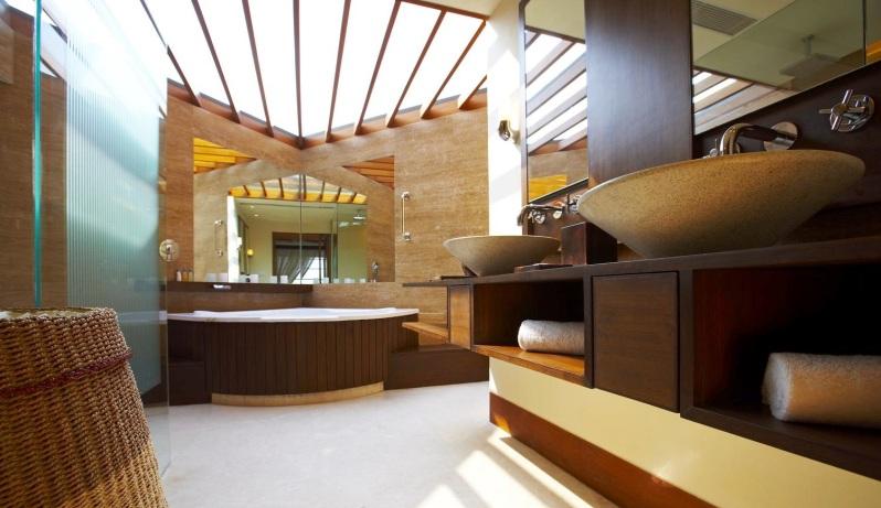 Skylight roof bathroom in Premier Villa