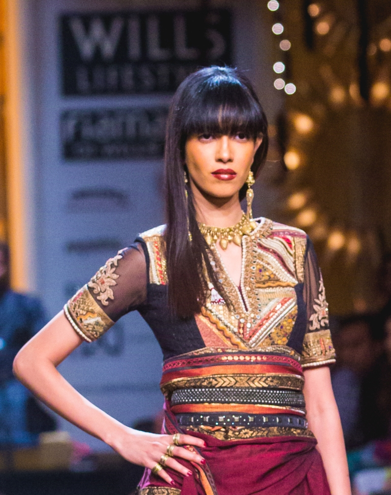 3 Wills_India_Fashion_Week_Tarun_Tahiliani-37 blouse