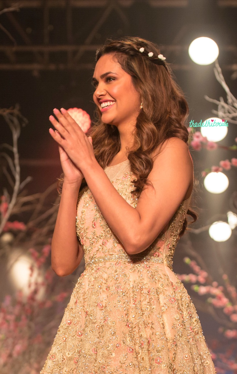 Esha Gupta romantic era hair & makeup Jyotsna Tiwari India Bridal Fashion Week 2014