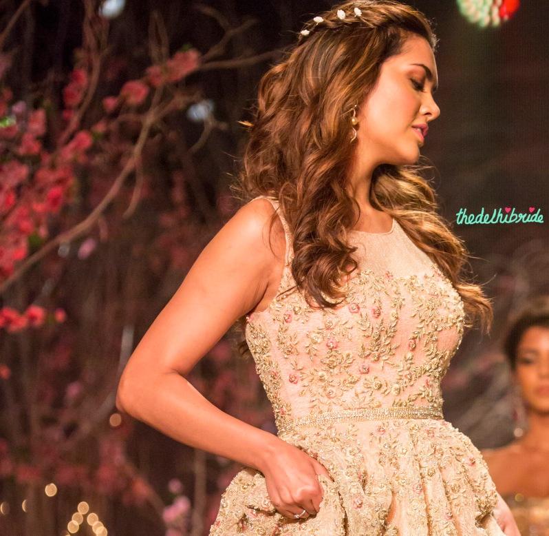 Esha Gupta romantic hair & makeup Jyotsna Tiwari India Bridal Fashion Week 2014