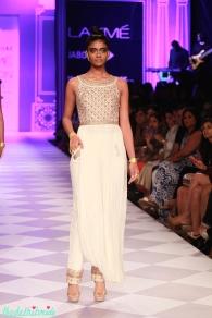 ethnic white long top with pants Anita Dongre Lakme Fashion Week 2014