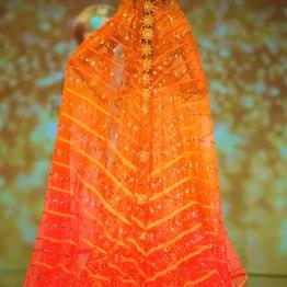 long ombre dupatta trail Tarun Tahiliani India Bridal Fashion Week 2014