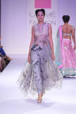 Anushree Reddy birds flight anarkali