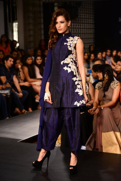 Ridhi Mehra short kurta patiala deep blue