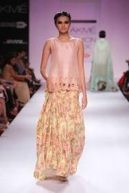 Zara Shahjahan floral skirt