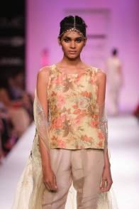 Zara Shahjahan floral sleeveless top