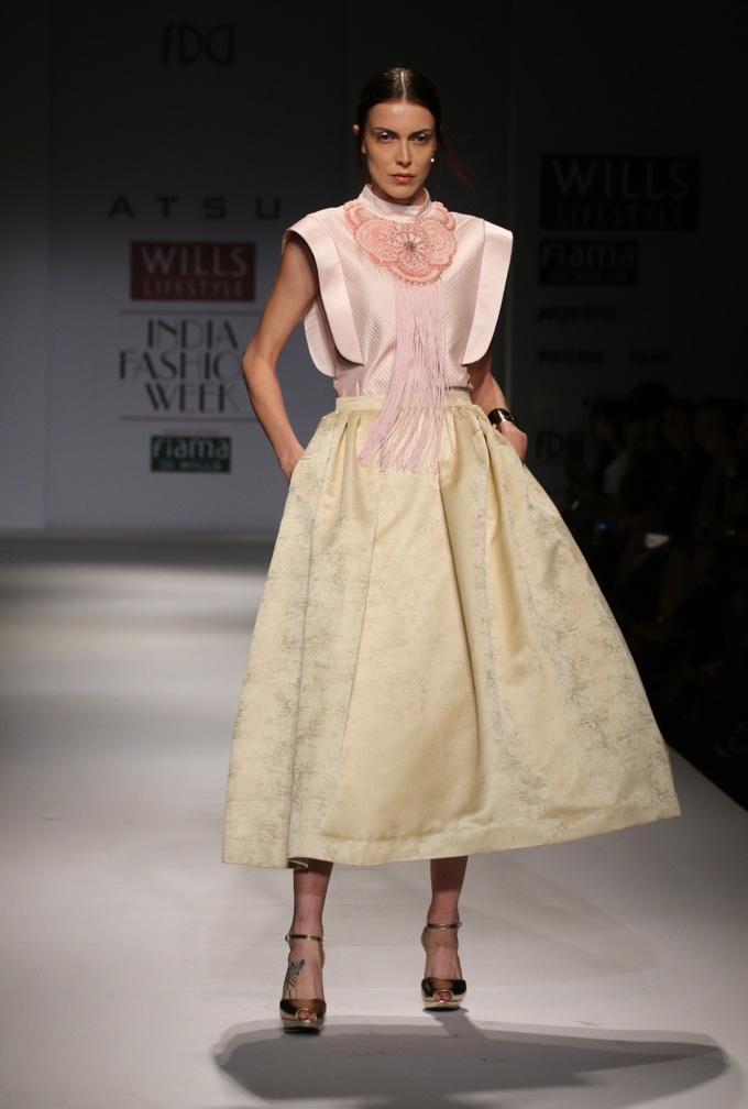 atsu-pale-yellow-midi-skirt-wifw-spring-