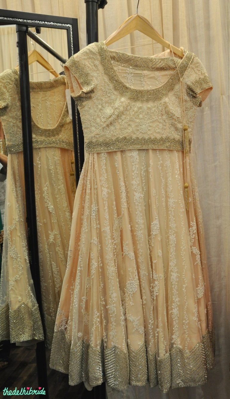 Jyoti Gill pale peach delicate embroidery lehenga at Bridal Asia 2014