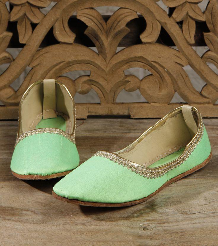 Footwear by Mzuri Sana 895 Green Leather Juttis