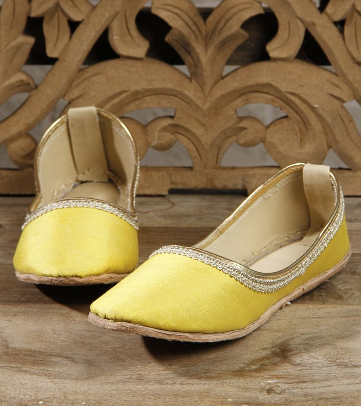 Footwear by Mzuri Sana 895 Yellow Leather Juttis