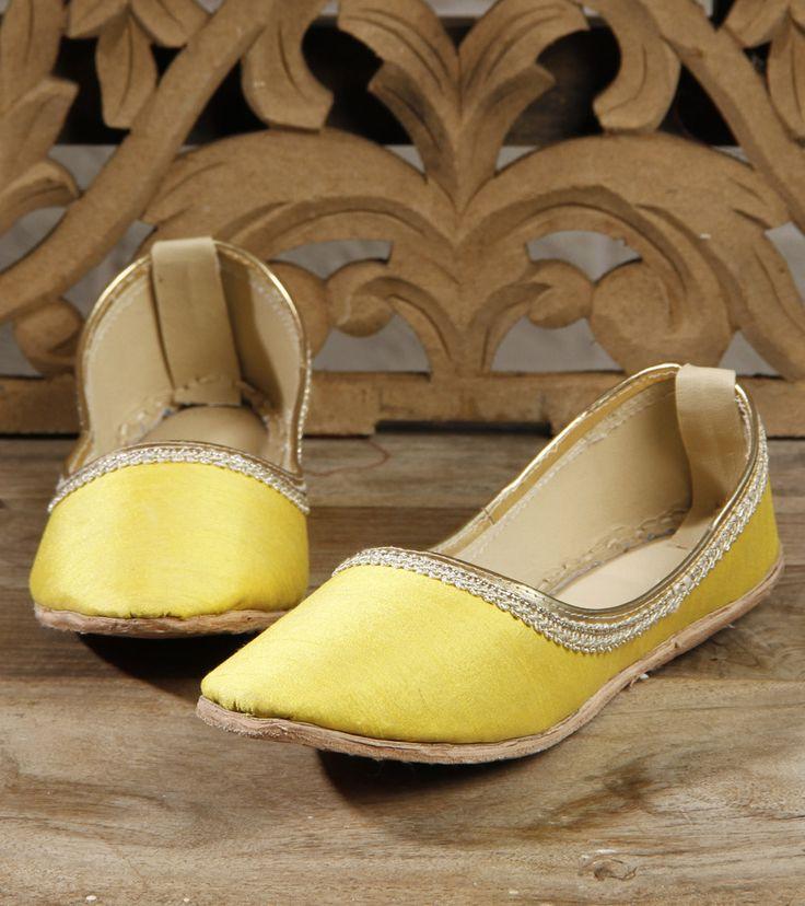 Footwear by Mzuri Sana 895 Yellow Leather Juttis