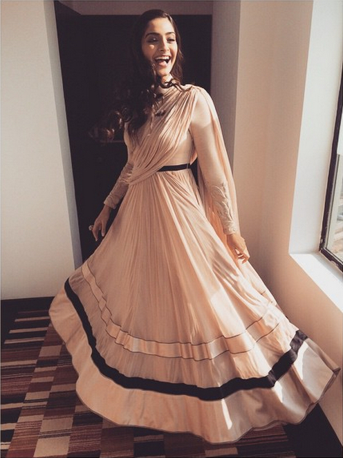 Sonam Kapoor in a beautiful Shantanu & Nikhil outfit