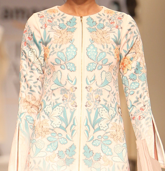 Kavita Bhartia embroidered formal dress details | Best of Amazon India Fashion Week Autumn Winter 2015 | thedelhibride Indian weddings blog
