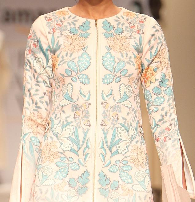 Kavita Bhartia embroidered formal dress details | Best of Amazon India Fashion Week Autumn Winter 2015 | thedelhibride Indian weddings blog