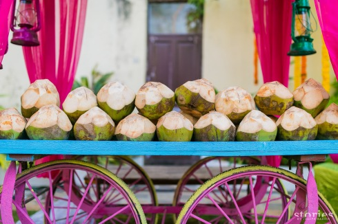 Mehendi decor naariyal pani stand refreshments menu for Mehendi Shonan & Adesh wedding