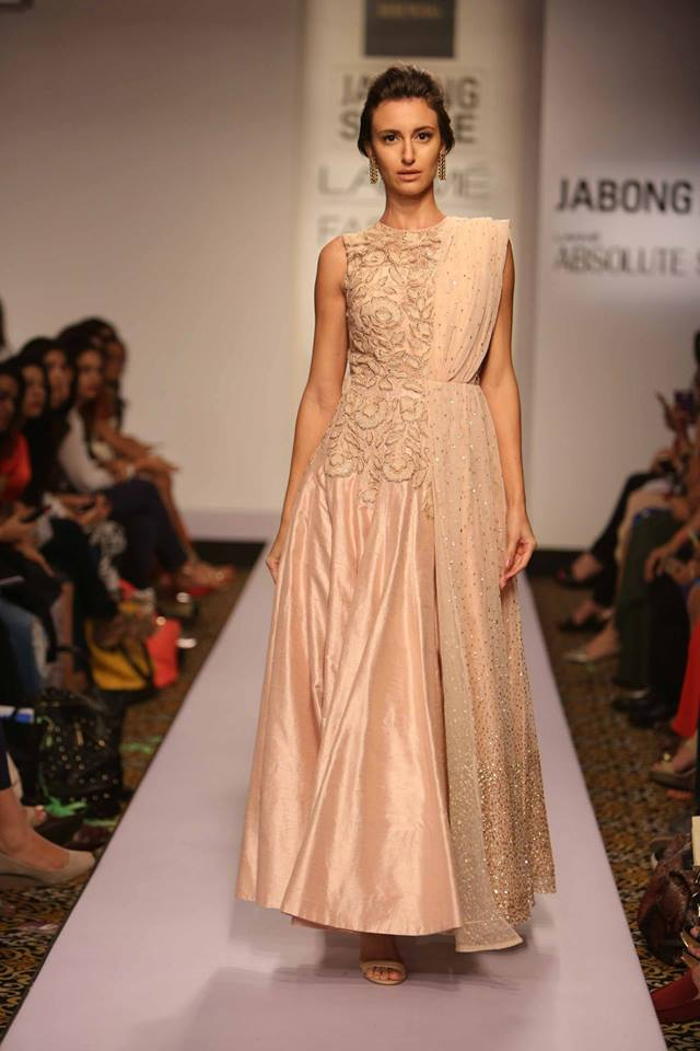 Suit by Ridhi Mehra | blush pink with rose embroidery sequinned dupatta