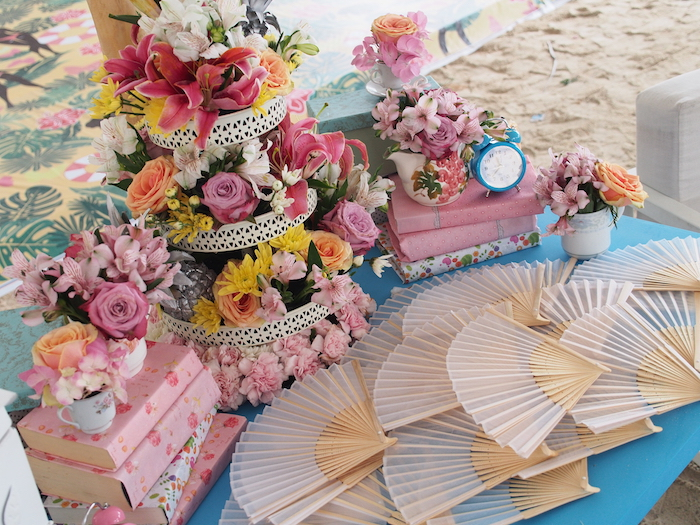 Pretty Hand fans counter tea party theme
