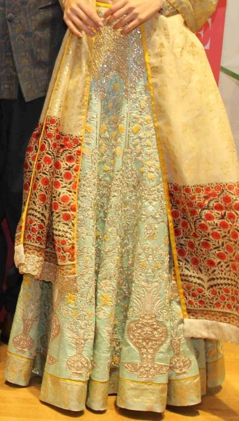 Anju Modi preview bridal collection 2015 Vogue Bridal Studio blue lehenga