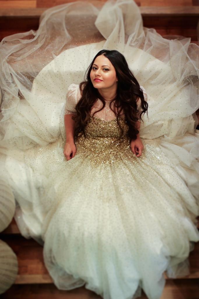 Bridal Portrait White & Gold Wedding Gown Picture | Anushka Hajela Wedding Wardrobe