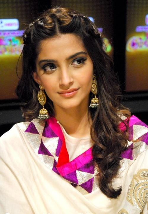 Half up Half down – Sonam Kapoor – Hairstyles – Indian Wedding ...