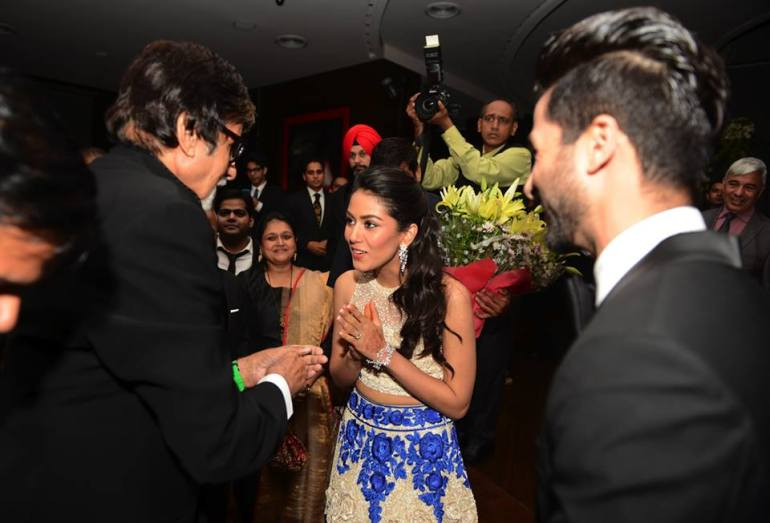 Mira Rajput Shahid Kapoor meet Amitabh Bachchan at their Mumbai wedding reception