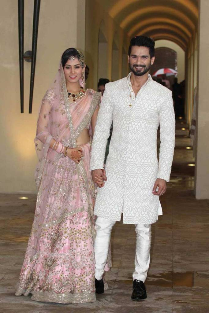 Shahid Kapoor and Mira Rajput Kapoor first look at newlyweds baby pink lehenga with embroidered flowers | Shahid Kapoor Mira Rajput wedding