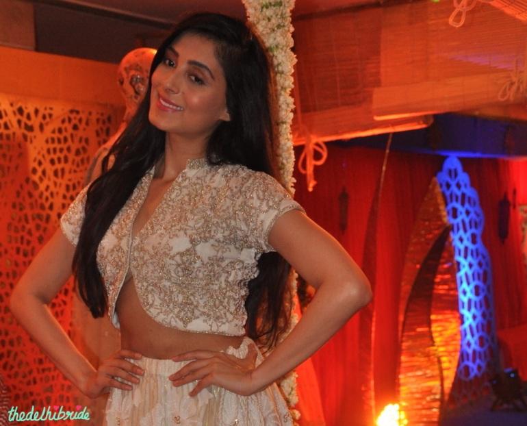 White crop blouse - Pernia Qureshi - Jaanishar - Kotwara - MeeraMuzaffar Ali - Best of Wedding Asia Delhi 2015