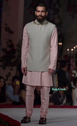Baby Pink Kurta & Pyjama with Grey Bandhgala _ Gold Accessory - Varun Bahl - Amazon India Couture Week 2015
