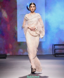 Ivory Saree with light embroidery - Tarun Tahiliani - BMW India Bridal Fashion Week 2015