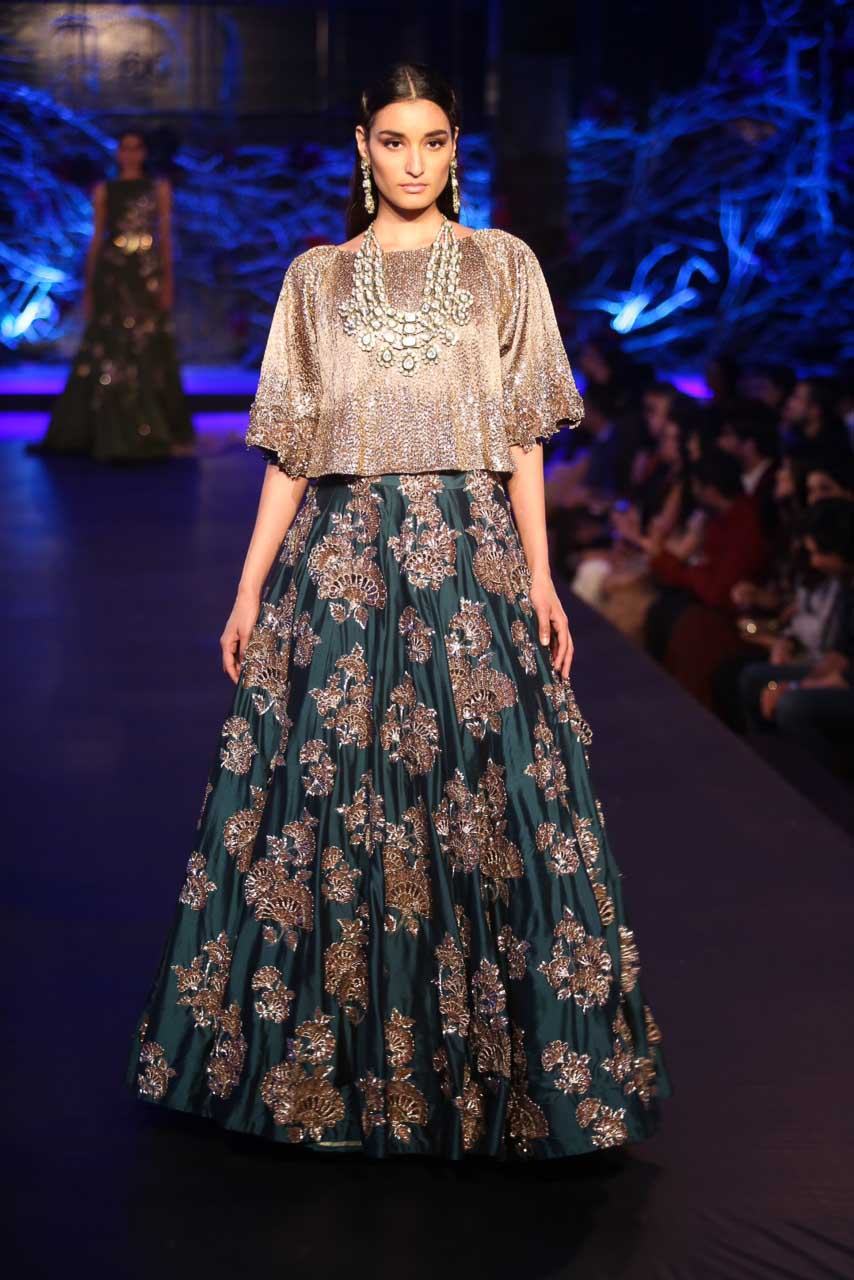 Bridal Picks From Manish Malhotra Amazon India Couture Week 2015