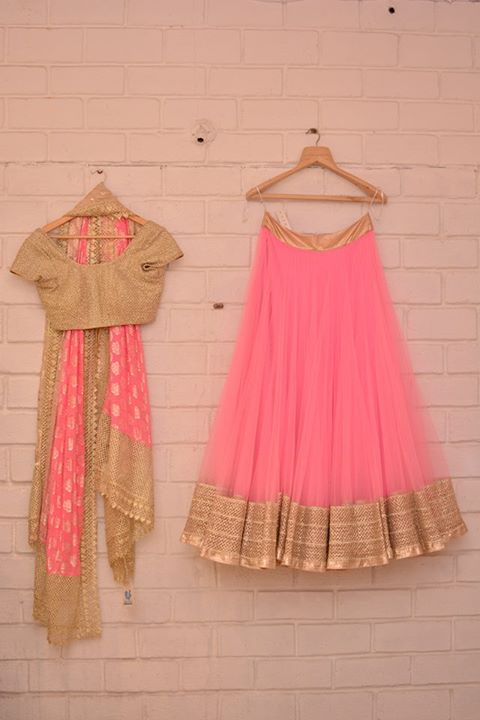 Wedding Guest Style: Love the pink! Good for a bridesmaid.