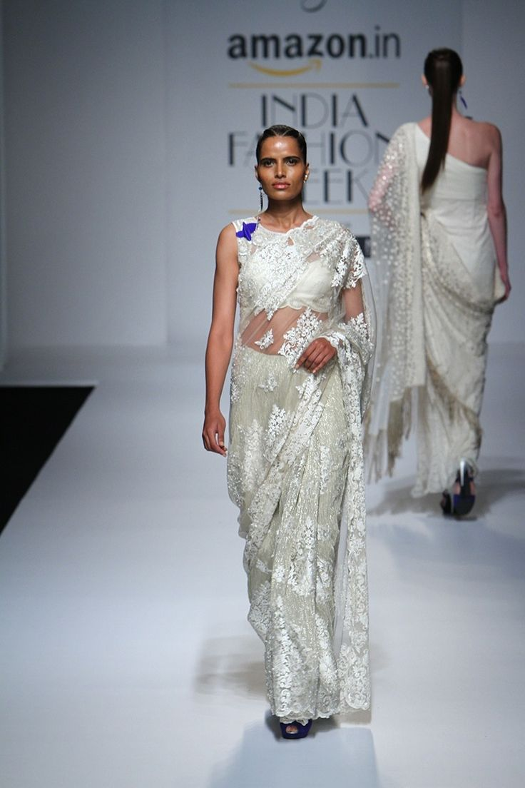 Sari rabani n rakha ivory chantilly lace sari amazon india sari rabani n rakha ivory chantilly lace sari amazon india fashion week spring summer 2016 aloadofball Choice Image