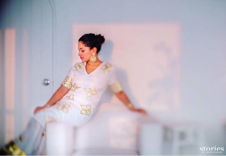 Mehendi - Candid shot of the bride - Photo by Joseph Radhik - Masaba Gupta and Madhu Mantena Wedding 2015