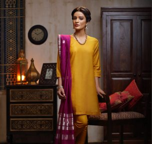 Fabindia - Yellow suit with hot pink silk dupatta - Meherchand market wedding shopping guide