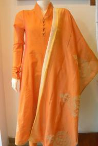 Ruh - Orange collared kurta with dupatta and churidaar - Meherchand market wedding shopping guide