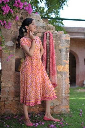 Soma - Orange printed kurta - Meherchand market wedding shopping guide
