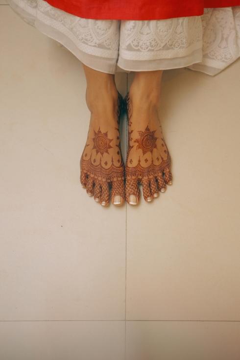 Aashirwaad & Mehendi - Mehendi on bride's feet - Anasuya Wedding Wardrobe