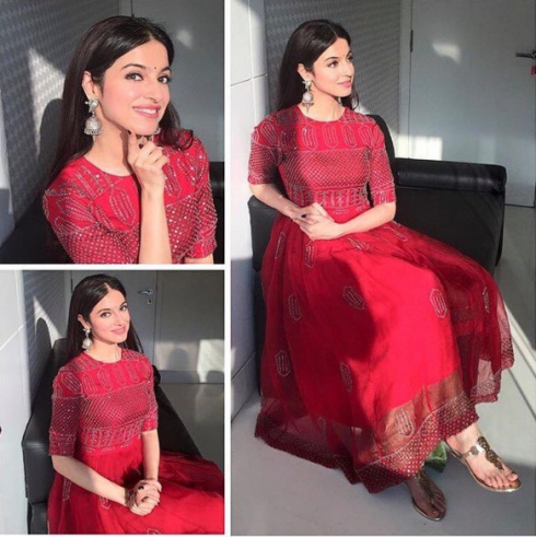 Divya Khosla in a red anarkali by Shasha Gaba - Bollywood - Celebrity fashion 2016
