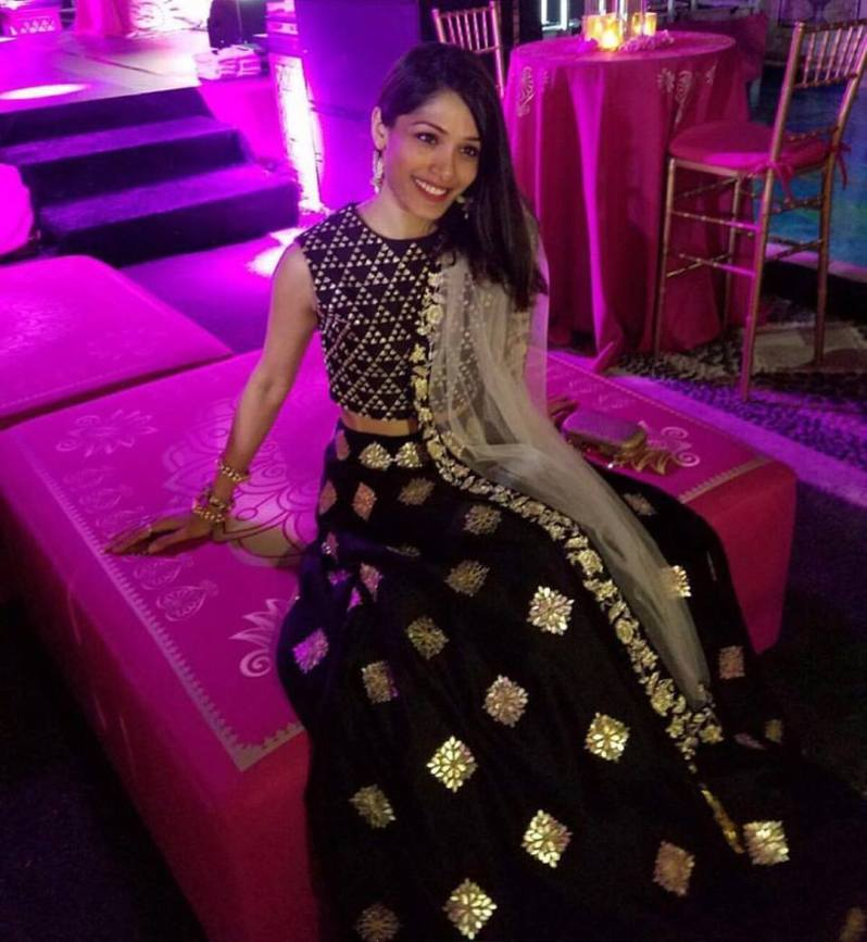 Frieda Pinto in a black and gold mix match lehenga - Bollywood - Celebrity fashion 2016