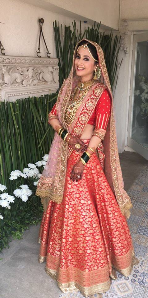 Urmila Matonkar in a red brocade bridal lehenga by Manish Malhotra - Bollywood - Celebrity fashion 2016