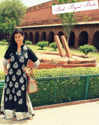 What I wore to visit Taj Mahal - Bride Beyond Borders